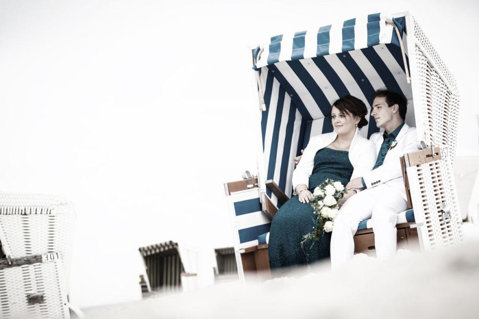 Die maritime Strand-Hochzeit von Moni & Martin auf Wangerooge