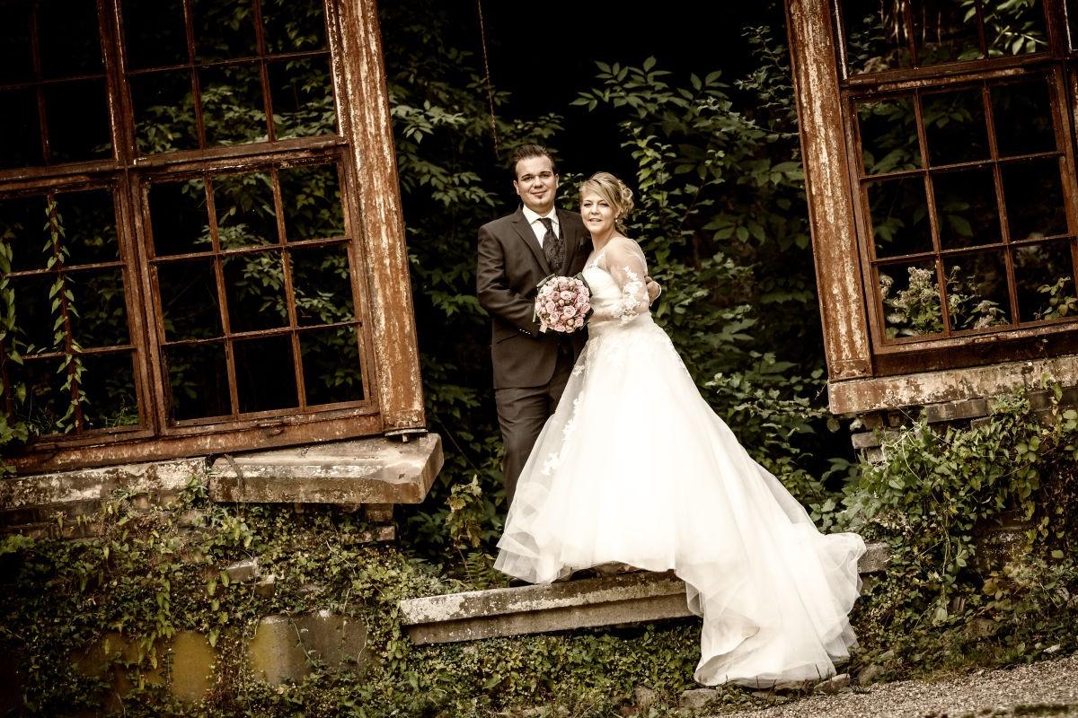 Erbluhte Liebe In Verbluhter Kulisse Hochzeitsfotos Velbert