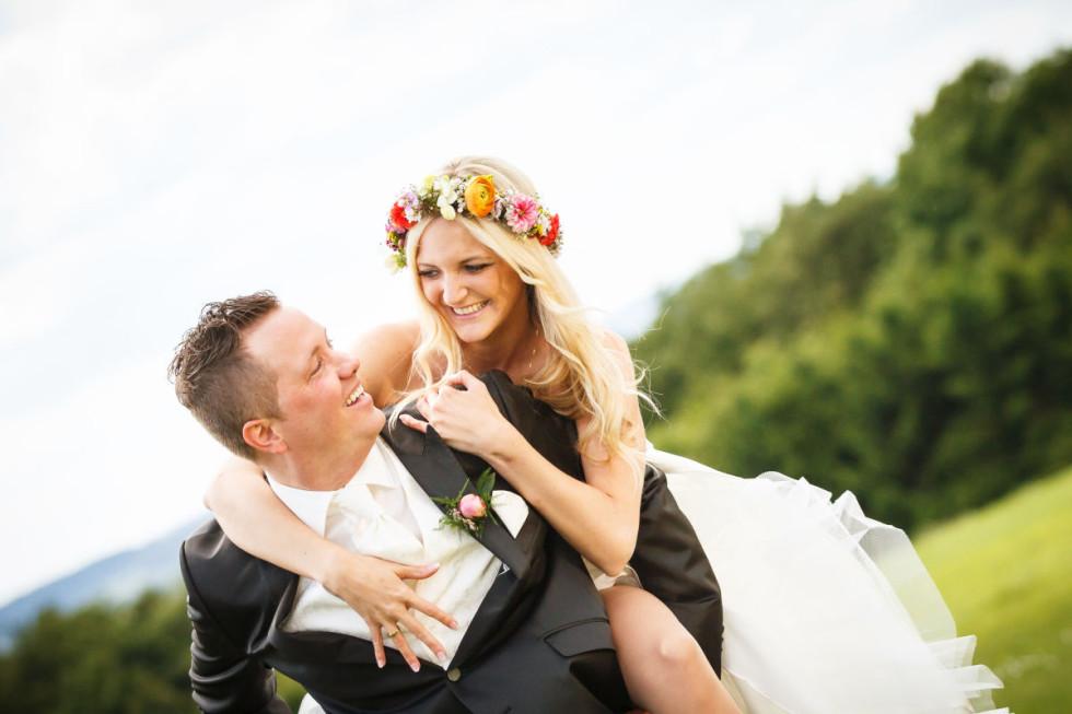Komm auf die Couch! Die Hochzeitsbilder von Lisa und Michael