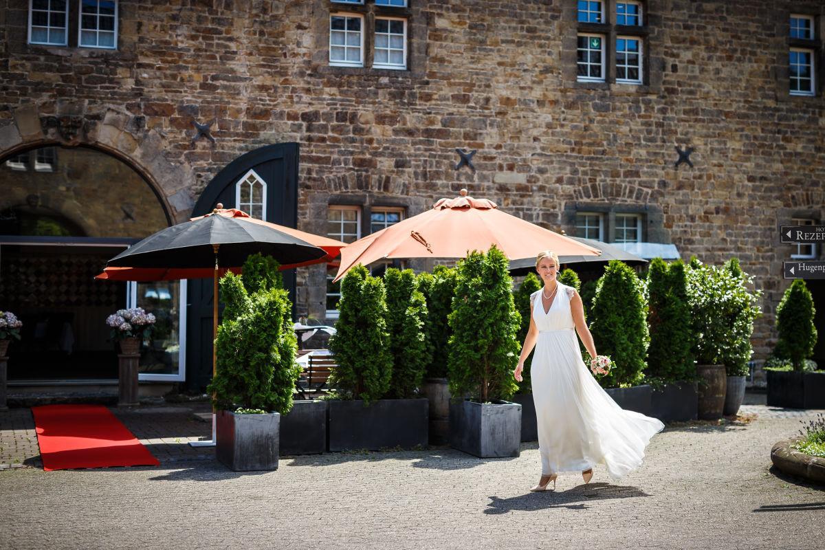 TinaThomas 119 - Hochzeit Schloss Hugenpoet Essen