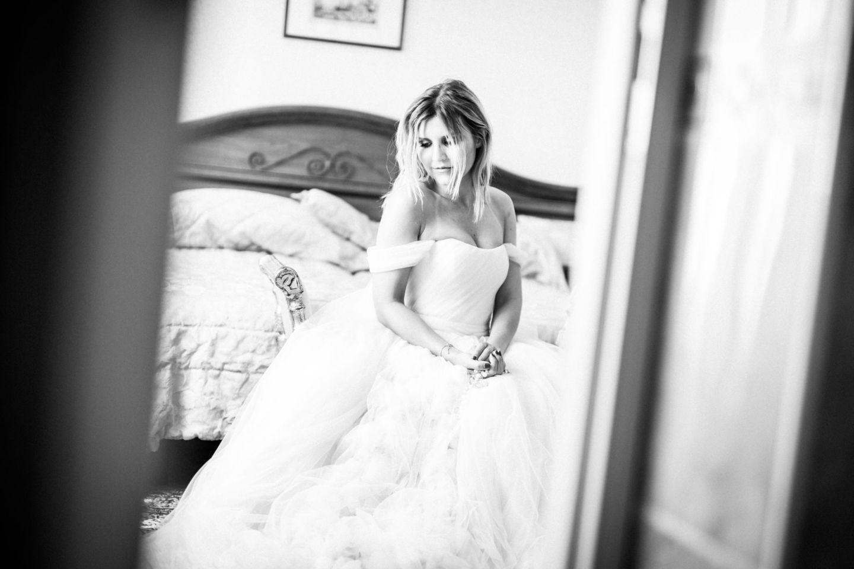 Beim Getting Ready entstehen viele schöne Momentaufnahmen des Fertigmachens der Braut