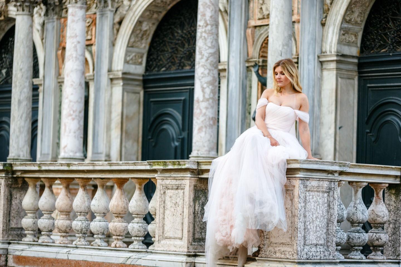 Bei einem Bridal Shoot in Venedig entstehen viele phantastische Bilder im Brautkleid