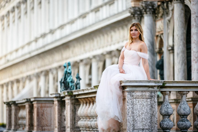 ein After Wedding Shooting in Venedig ist eine schöne Gelegenheit vor bombastischer Kulisse tolle Bilder im Brautkleid zu schießen