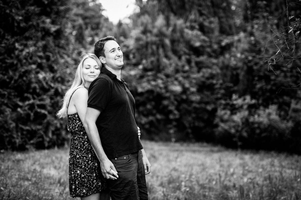 Als Hochzeitsfotograf Mettmann führen wir mit unseren Brautpaaren Paarshootings durch, wie hier in Solingen