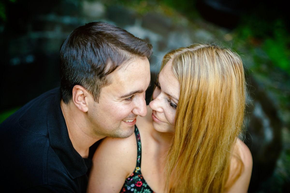 Paarfotos aus verschiedenen Perspektiven machen mir Hochzeitsfotograf NRW am Meisten Spaß