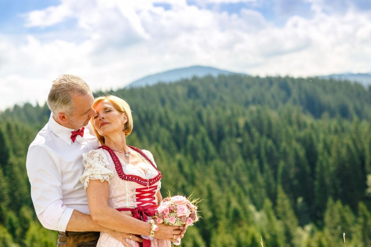 Hochzeitsshooting auf der Brenner Alm in Tirol
