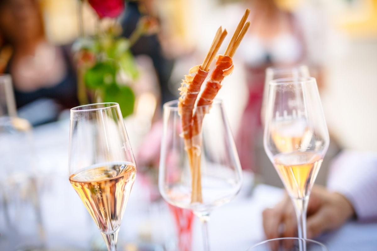 Snack beim Hochzeitsempfang