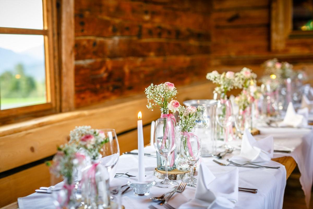 Hochzeitsdekoration in Vintage Rosa