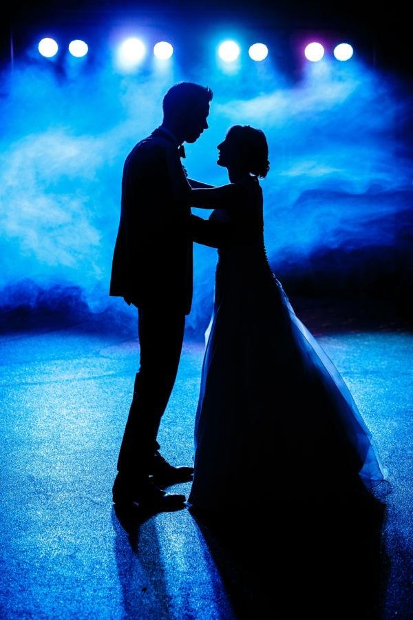 Bei unseren Hochzeitsreportagen fotografieren wir auch professionell auf der Feier