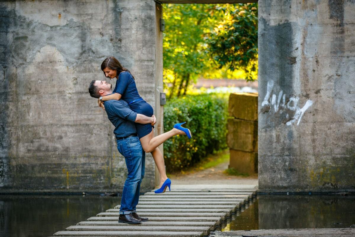 Für dieses Engagementshooting trafen wir Hochzeitsfotografen Duisburg das Paar im Landschaftspark