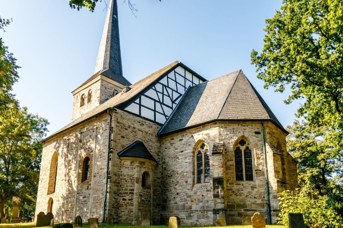 Die stiepler Dorfkirche in Hattingen ist eine der ältesten Kirchen des Ruhrgebiets.