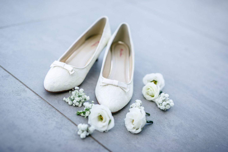 Beim Getting Ready halten wir Hochzeitsfotografen Mettmann auch die Details und Blumen fotografisch fest.