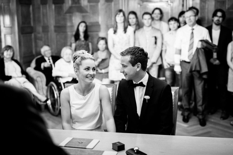 Hochzeitsfotograf Mülheim fotografiert eine standeamtliche Trauung