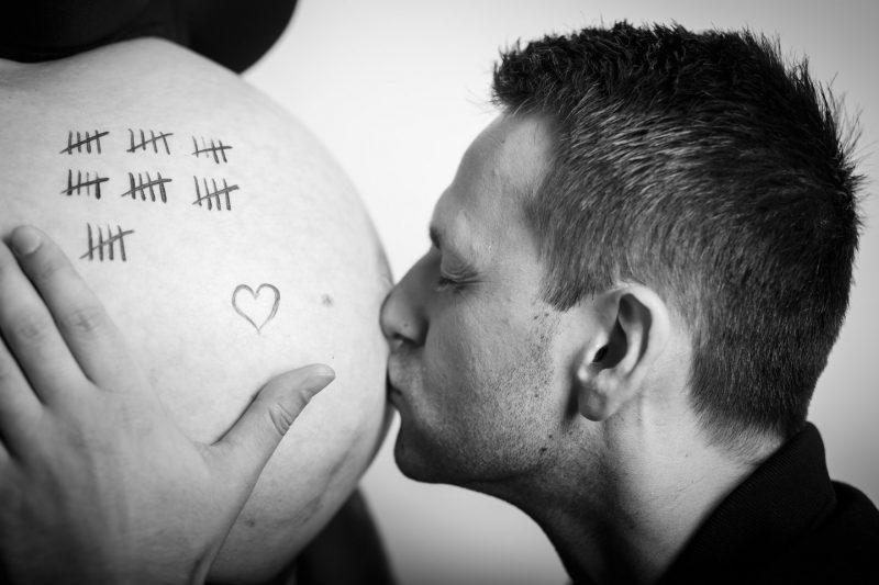 babybauch shooting schwangerschaftsfotos baby belly schwangerschaftsfotograf 25 800x533 - Baby & Belly