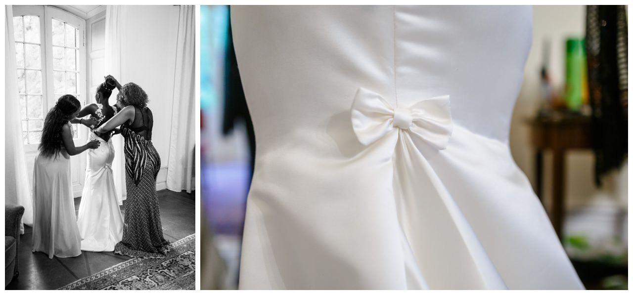 Das Brautkleid im Mermaid-Stil hat eine Schleife.