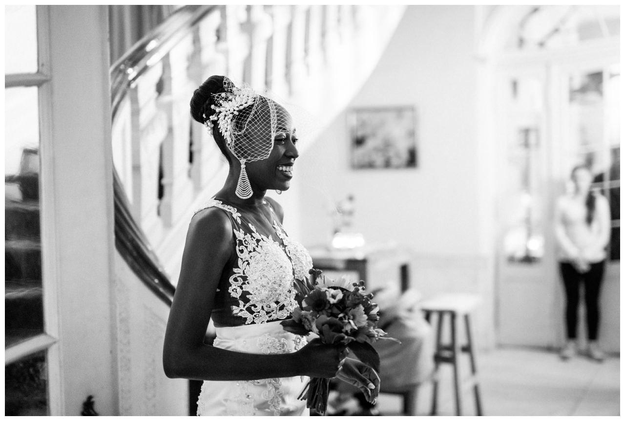Die Braut kurz vor der Trauung.
