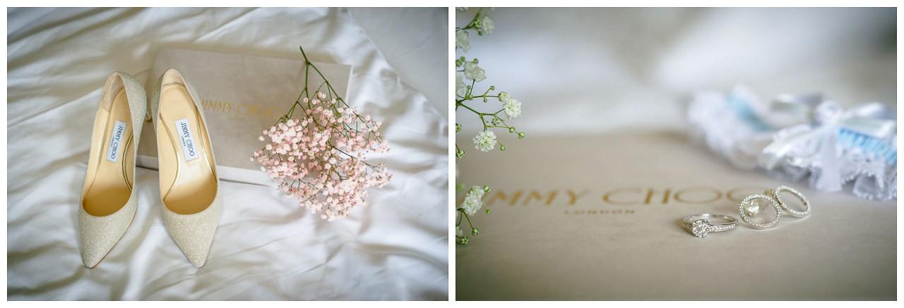 Ein Verlobungsring schön dekoriert auf einer Jimmy Choo Box