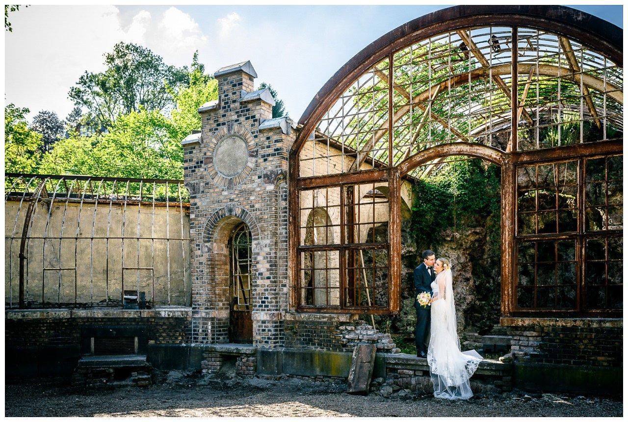 Brautpaarshooting Villa Au Velbert altes Gewächshaus.