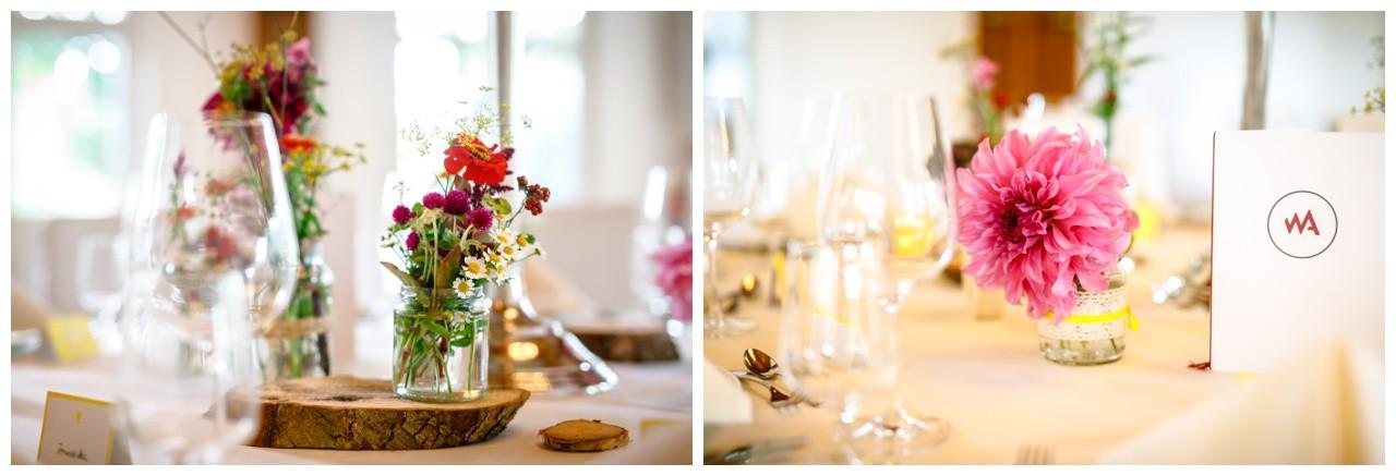 Tischdekoration Hochzeit bunt Wiesenblumen