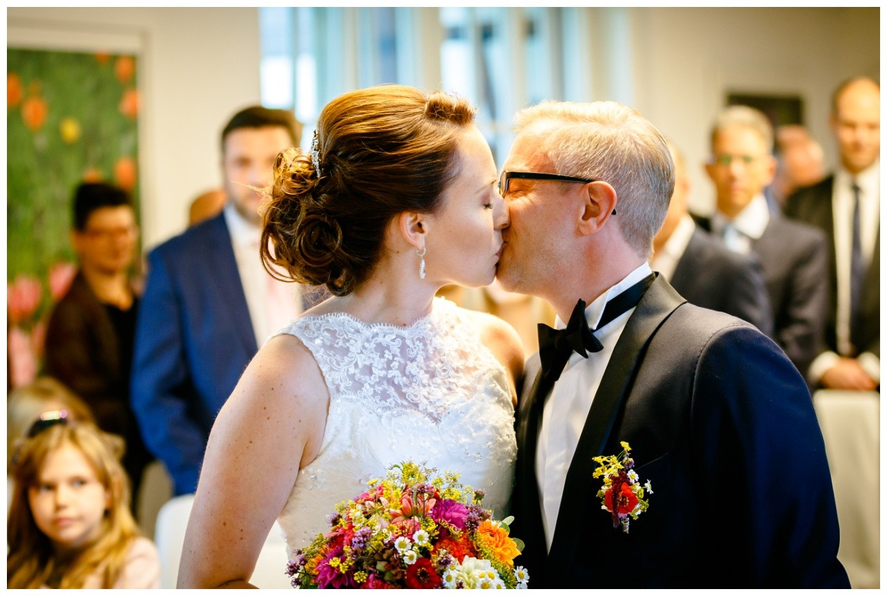 Hochzeitskuss Freie Trauung Solingen