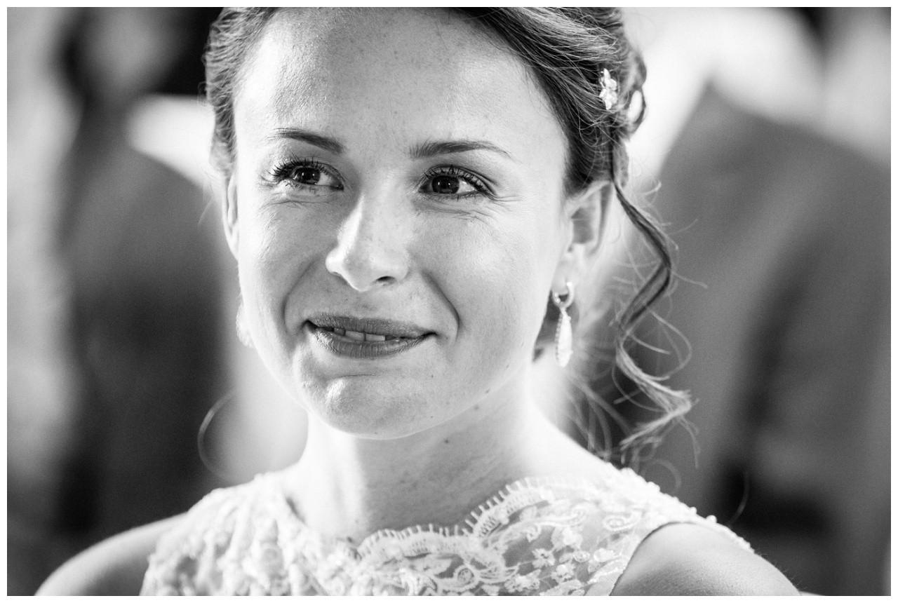 Brautportrait vom Hochzeitsfotograf Solingen bei der freien Trauung