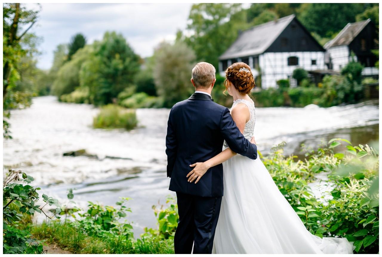 Brautpaarshooting hinter der Wipper Aue in Solingen