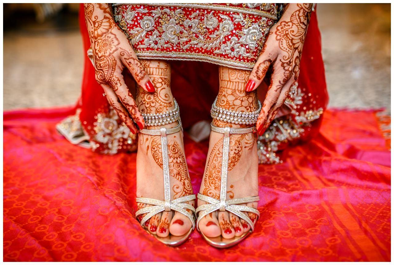 Hennamalerei Füße indische Hochezit