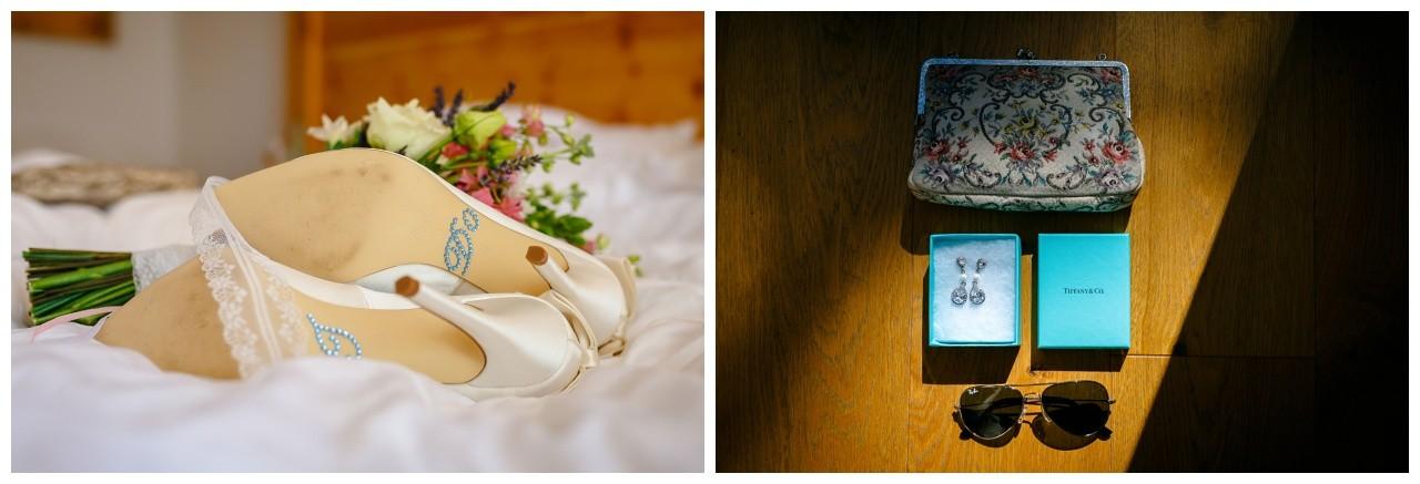 Die Brautschuhe un der Brautschmuck vor der Hochzeit am Chiemsee