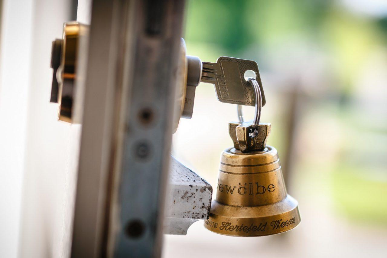 Der Schlüssel im Schloss bei der Hochzeit auf Schloss Hertefeld
