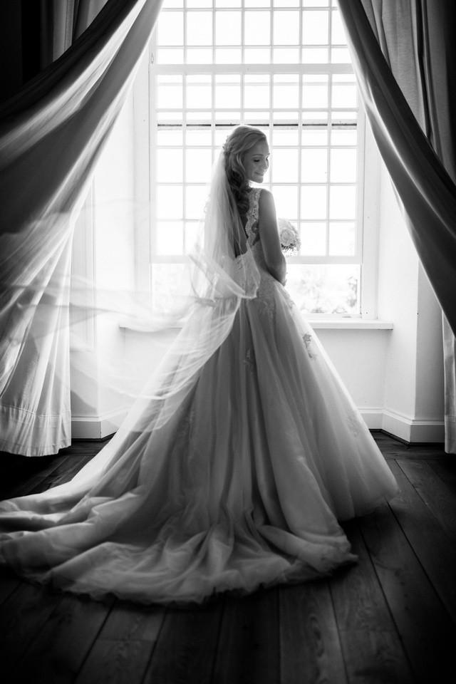 Die Braut auf Schloss Hertefeld in Weeze