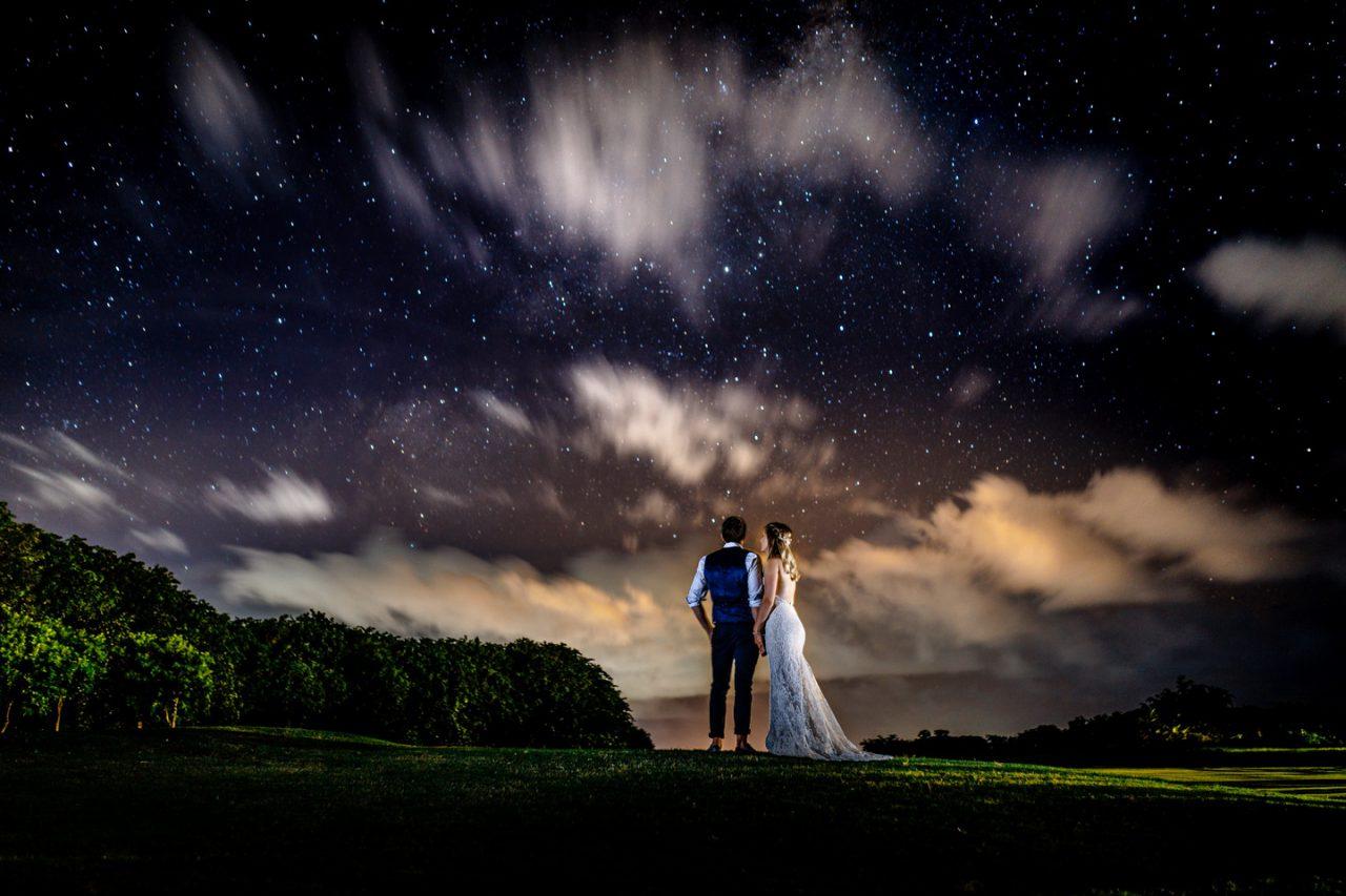 Hochzeitsfoto unterm Sternenhimmel auf Mauritius