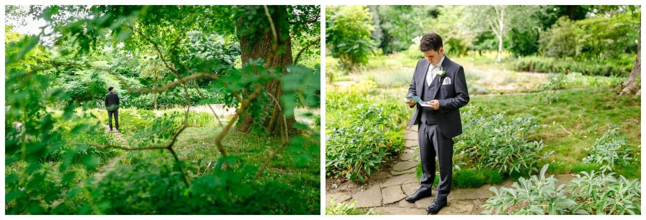 Der Bräutigam wartet beim First Look auf seine Braut in Wuppertal