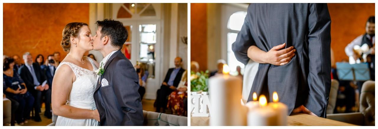 Hochzeitskuss bei der Standesamtlichen Trauung im Elisenturm in Wuppertal