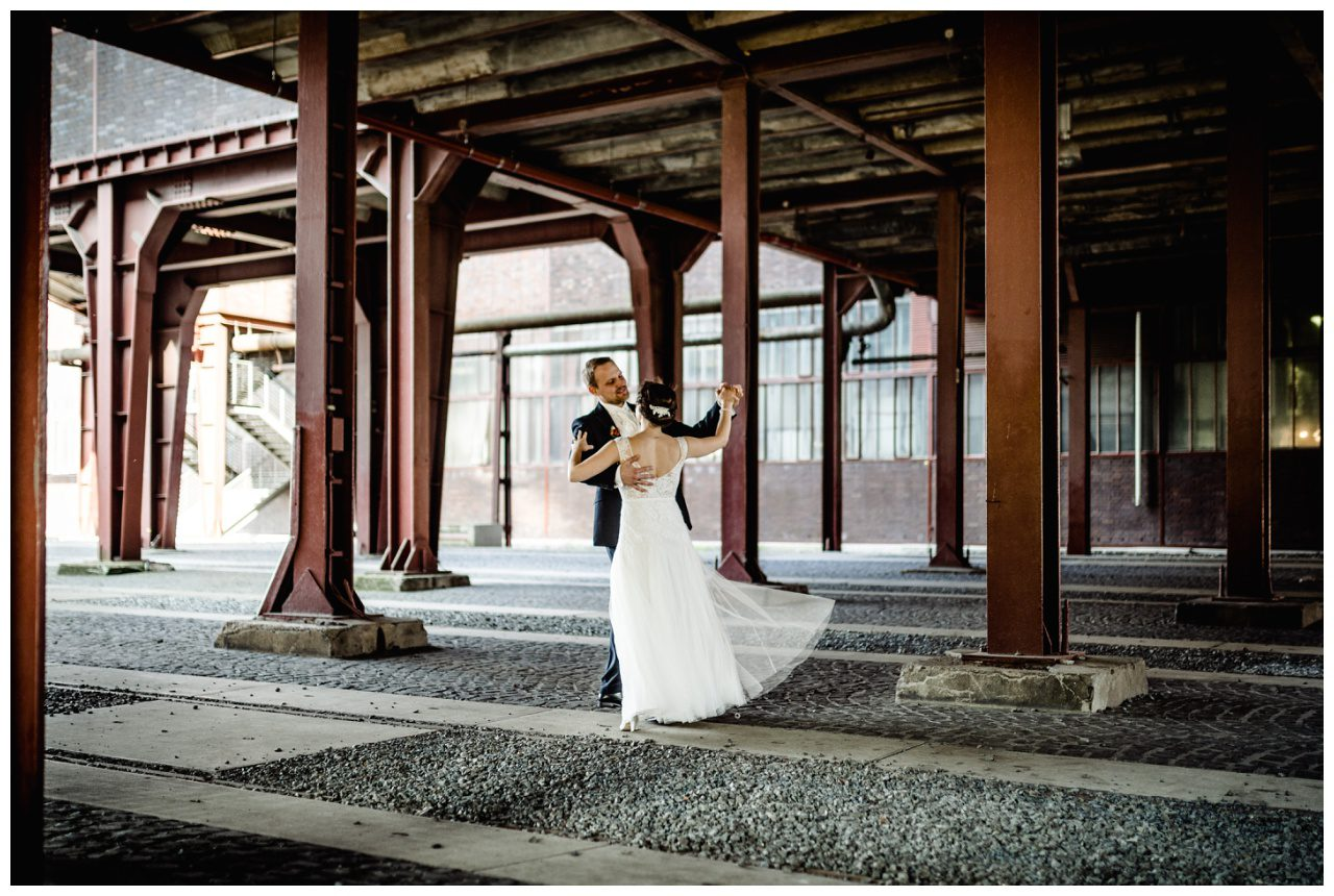 Braut und Bräutigam auf Zeche Zollverein vom Fotograf Essen