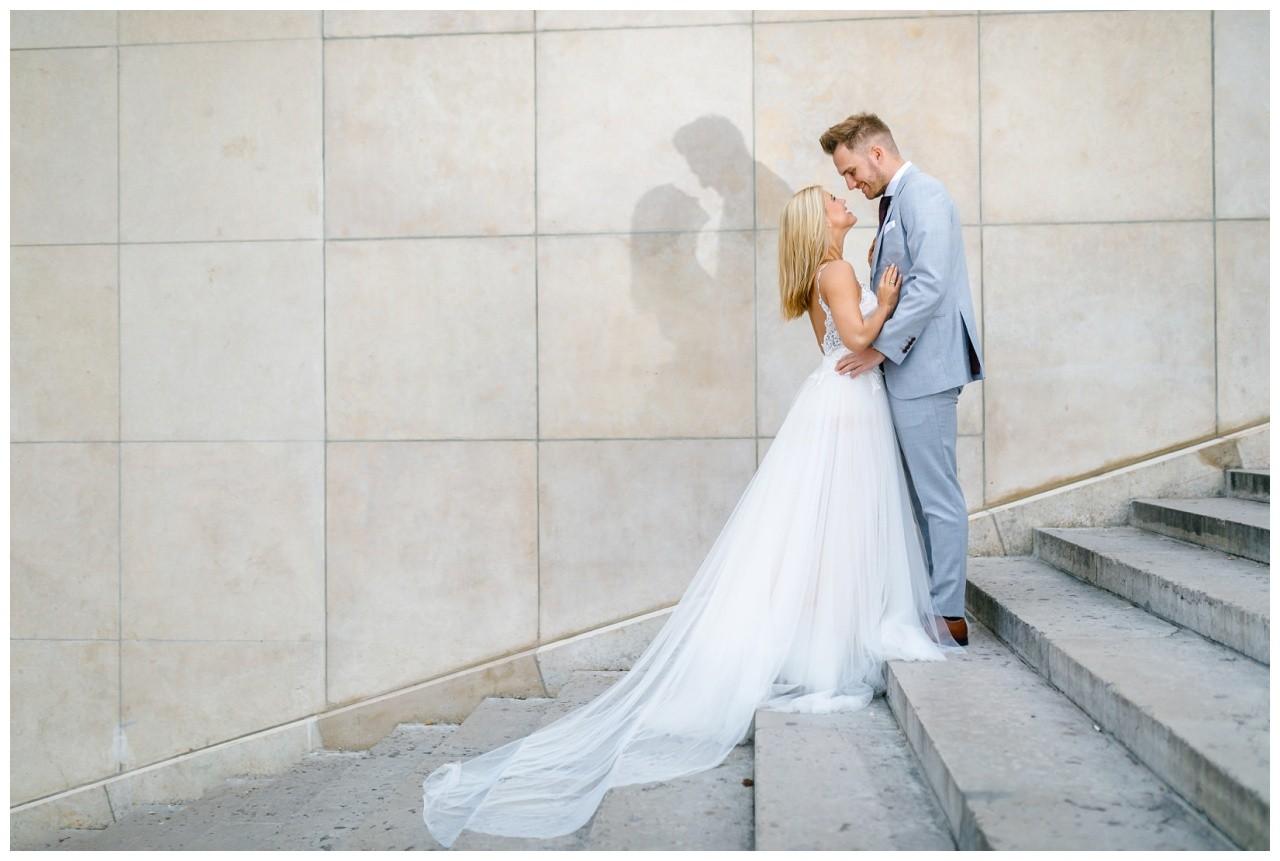 Hochzeitsbilder in Paris vom Hochzeitsfotografen, hier macht das Brautpaar ein After Wedding Shooting.