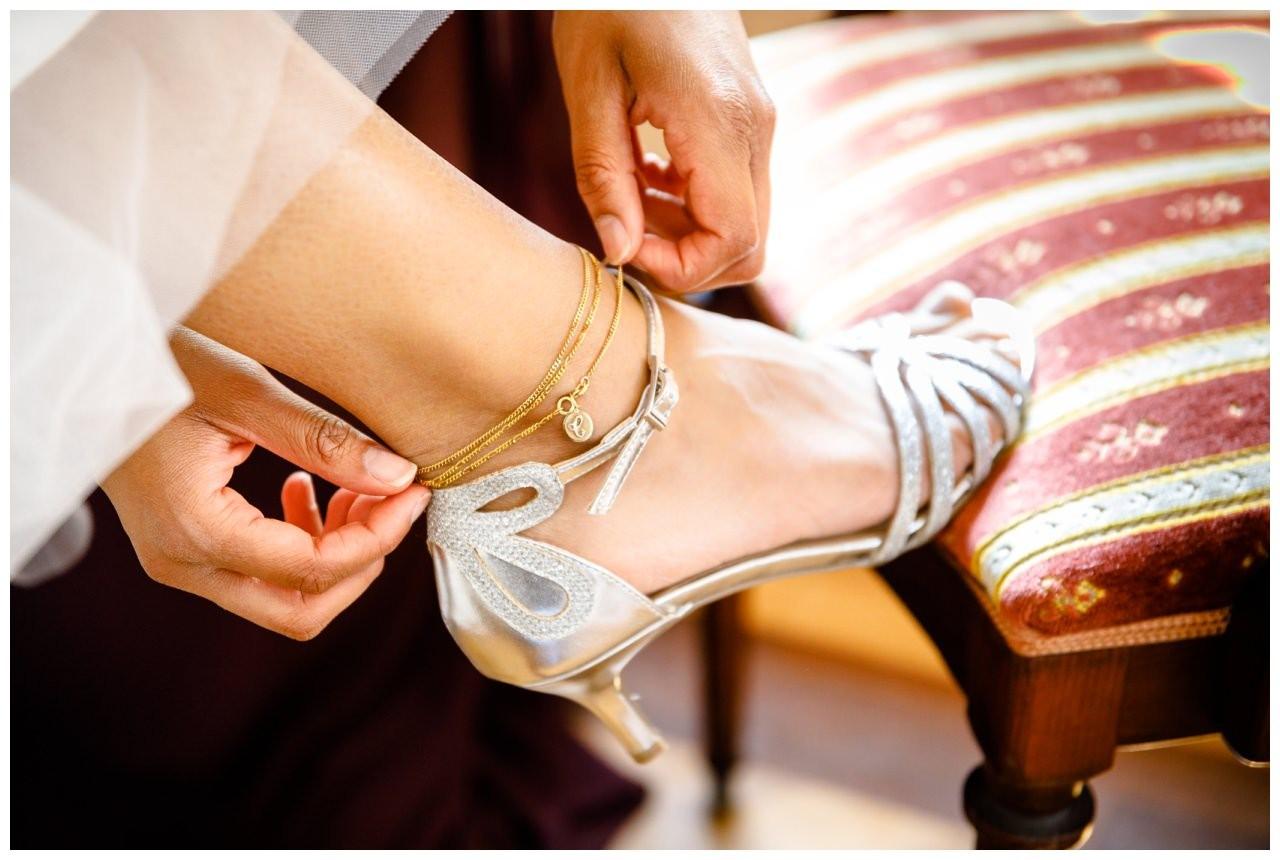 Brautschuh bei der Hochzeit in der Redoute Bonn
