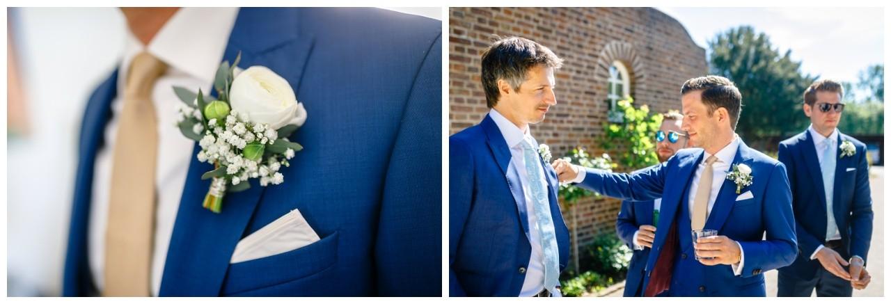 Der Bräutigam und sein Trauzeige vor der Hochzeit