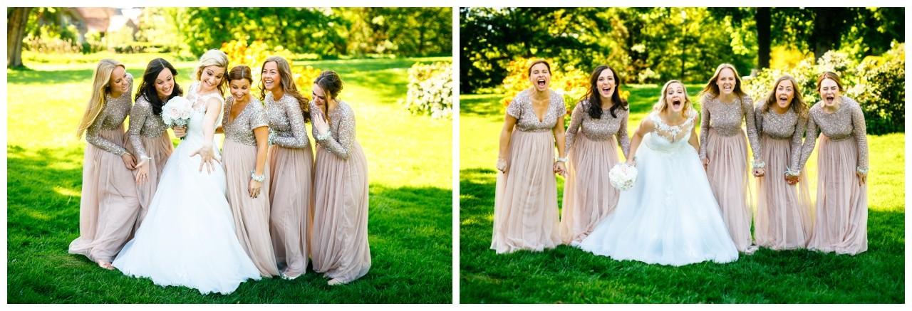 Hochzeitsbild mit Brautjungfern