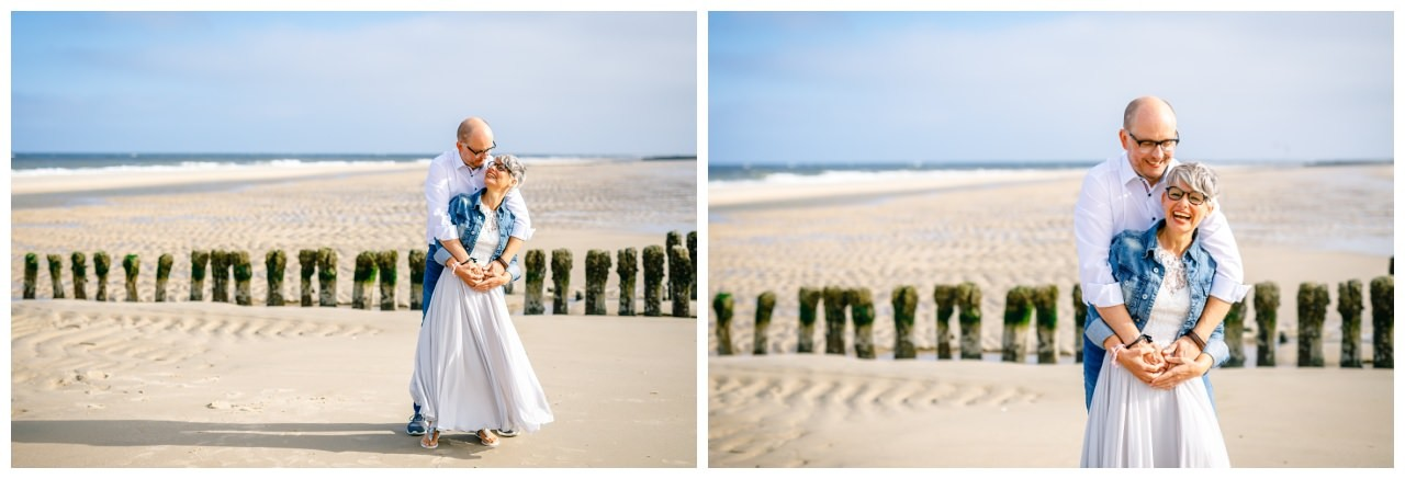 Braut und Bräutigam am Strand von Sylt.