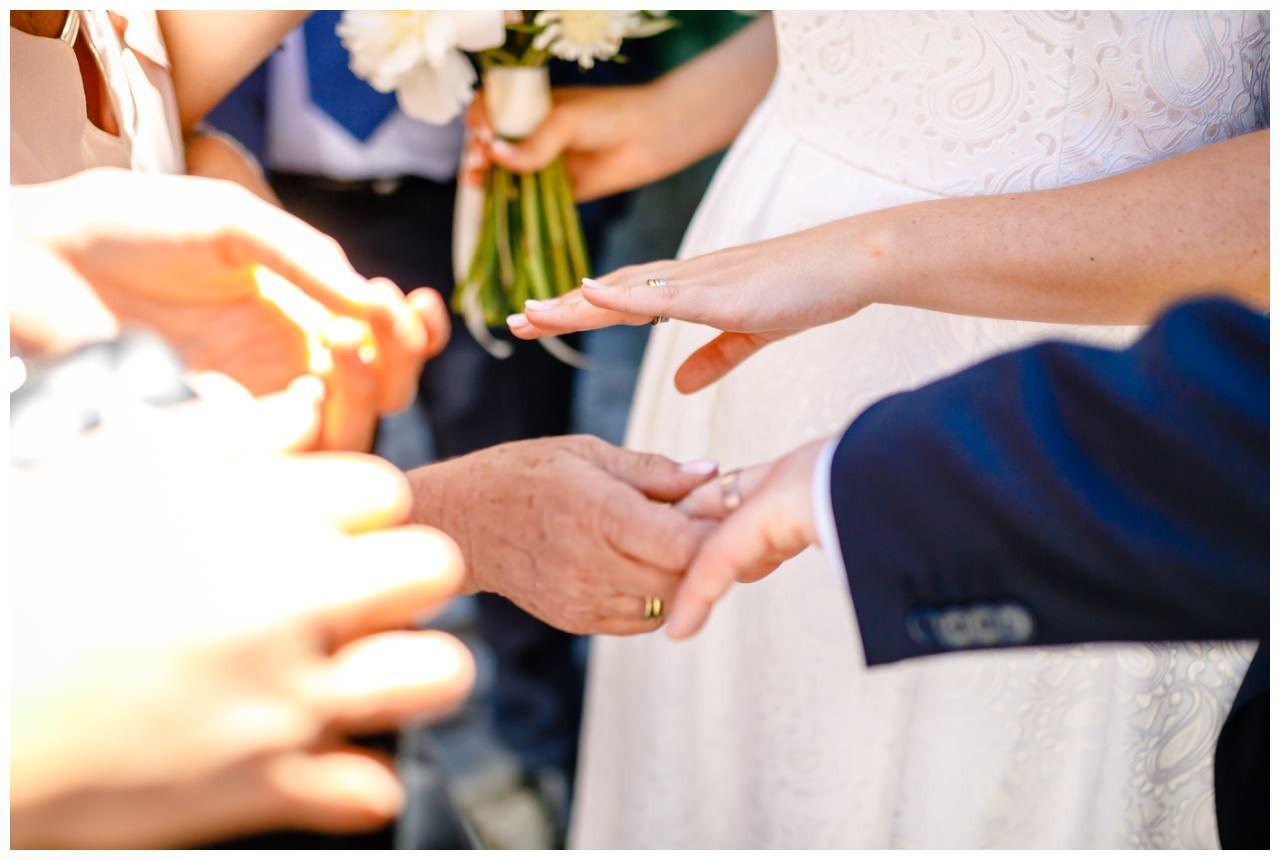 Hochzeit Tegernsee Fotograf Standesamt Bayern Hochzeitsfotograf 33 - Hochzeit am Tegernsee