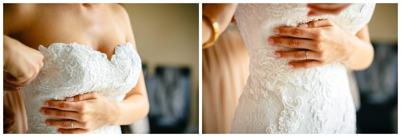 Getting Ready der Braut. Brautkleid mit Spitze.
