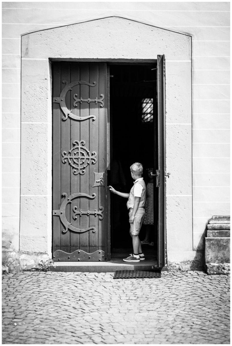 Die Kirchentür vor der Hochzeit in Köln Fühling.