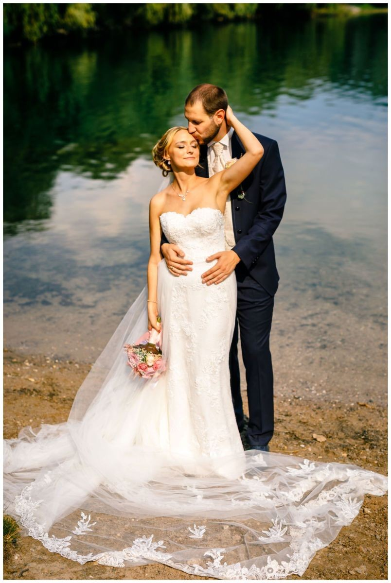 Hochzeitsfoto am Fühlinger See in Köln.