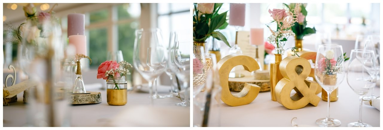 Tischdekoration in Rosa und Gold zur Hochzeit.