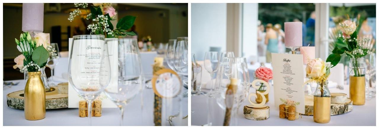 Hochzeitsdekoration in Rosa Gold Weiß bei der Hochzeit im Seepavillon.
