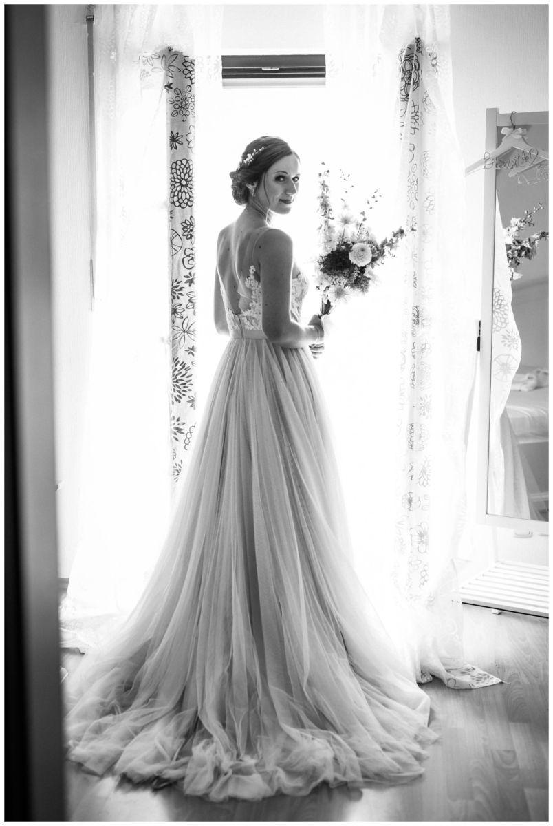 Die Braut vor ihrer Hochzeit nach dem Getting Ready.