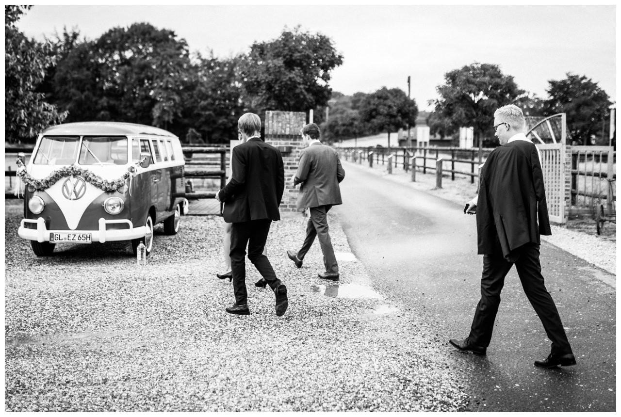 Der Bräutigam und seine Jungs vor der Hochzeit.