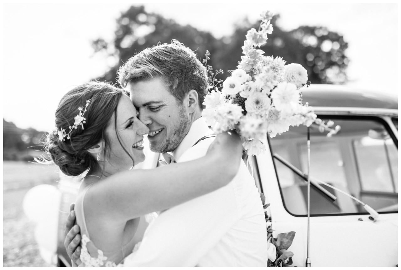 Hochzeitsfoto in Schwarz Weiß bei der Hochzeit im Landgut am Hochwald in Sonsbeck.