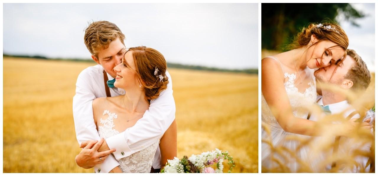 Hochzeitsbilder im Kornfeld bei der Hochzeit im Landgut am Hochwald in Sonsbeck.