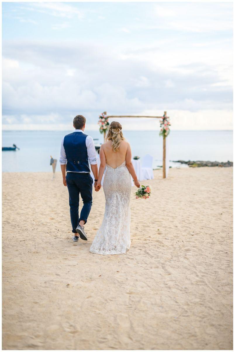 Hochzeit auf Mauritius Hochzeitsfotograf BBQ Party 27 - Standesamtliche Hochzeit oder Freie Trauung im Ausland?